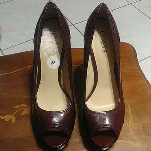 Size 9 Burgundy Guess heels